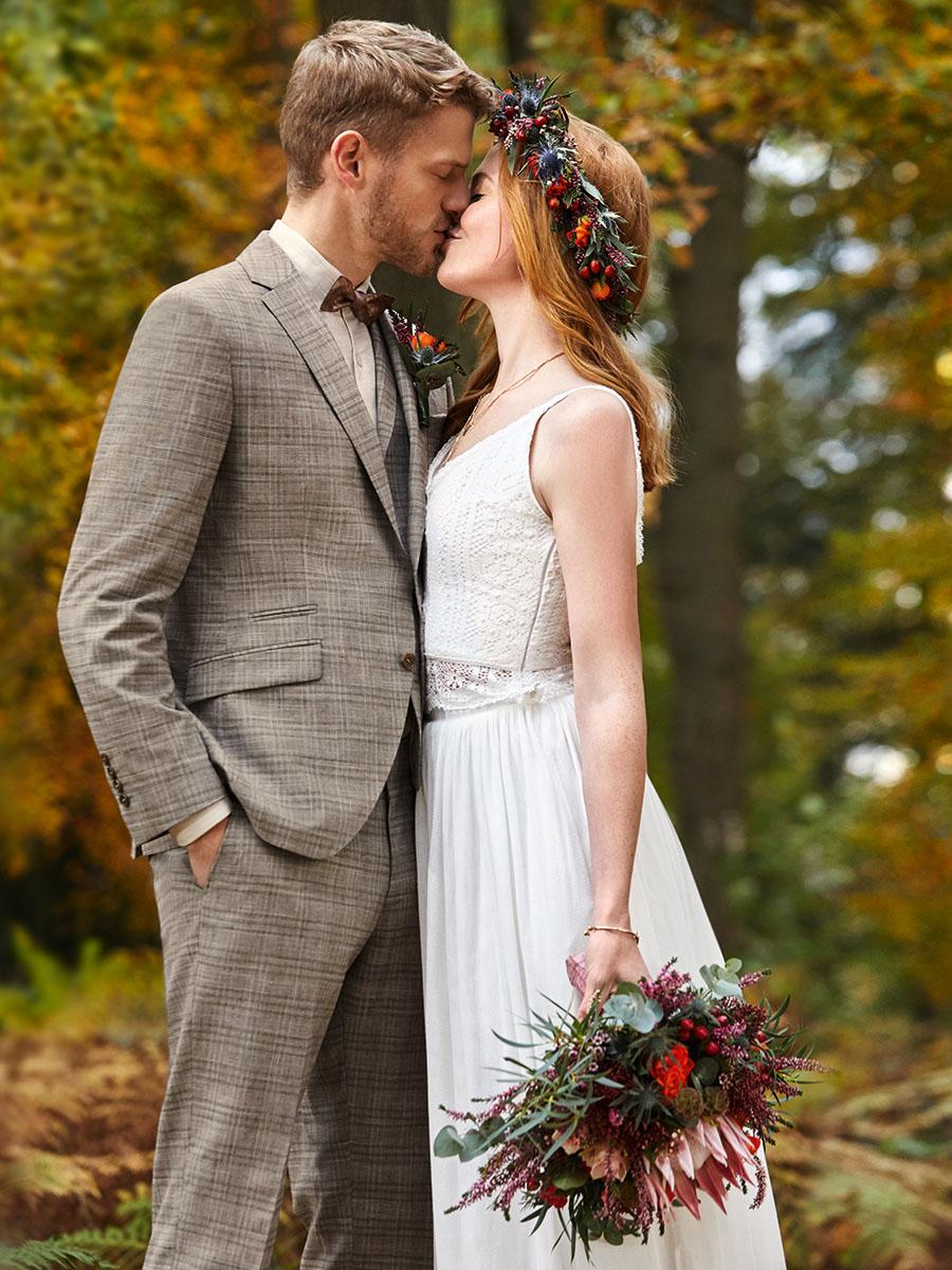 WILVORST GW kockás drapp esküvői öltöny