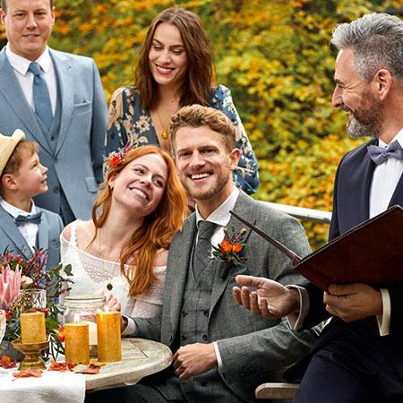 Az esküvői pár ünnepel